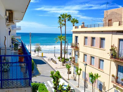 Photo for AQUA large 3 bed apartment looking on to the beach