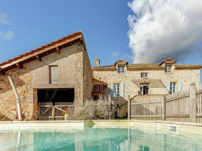Photo for Comfortable home near Villefranche-du-Périgord with lovely private swimming pool