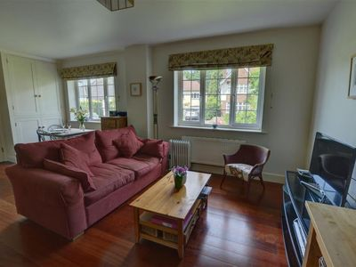 Photo for Vacation home Byng in Royal Tunbridge Wells - 2 persons, 1 bedrooms