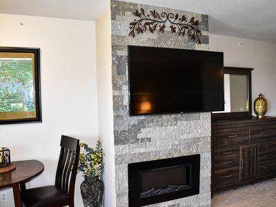 Photo for Luxury Lake View 2BD