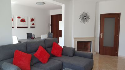 Photo for 95m2 modern 3th flr condo, 4.7 km from Ferragudo beech