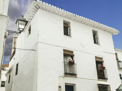 Photo for Lovely Renovated Spanish Townhouse