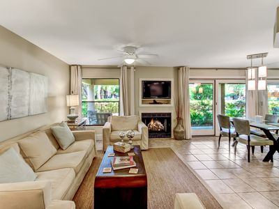 Photo for Gorgeous Pet Friendly Sailmaker Villa with View of the Pool