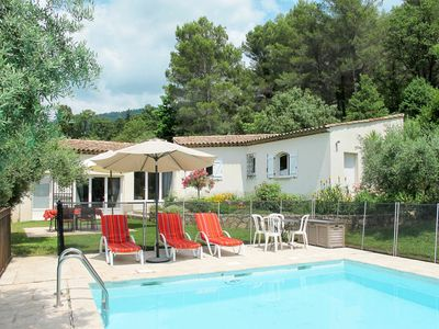 Photo for Beautiful apartment for 4 guests with WIFI, pool, TV, balcony, pets allowed and parking