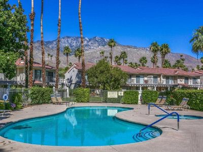 Photo for Aire de Paz - a 797 sq ft, 1 Bed, Condo in the heart of Palm Springs.