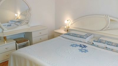 Photo for Air-conditioned Maria Savudrija apartment near the beach, WiFi, parking