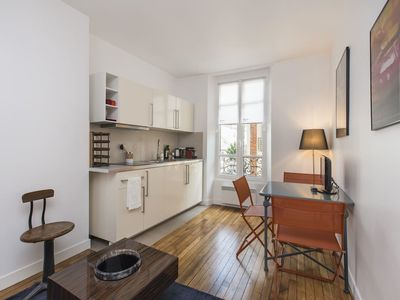 Photo for Charming 1 BR Apt - Very close to the EIFFEL TOWER