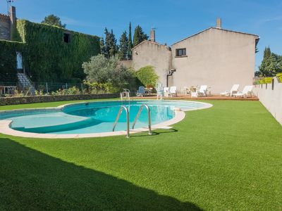 Photo for Stone cottage on an active wine-growing estate with a swimming pool.