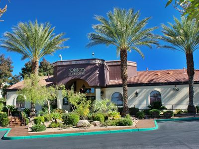 UPSCALE, FULLY FURNISHED CONDO IN GATED COMMUNITY OF SEVEN HILLS, HENDERSON NV.