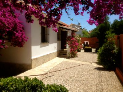 Photo for TOP modernized villa with private pool, extra Appartm., Sea view, and long-term