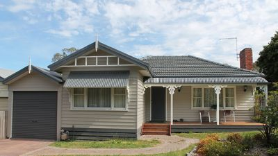 Photo for 3BR House Vacation Rental in Ringwood, VIC
