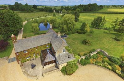 Photo for The Cotswold Manor Hall, Exclusive Hot Tub, Games Barn, 70 acres of Parkland