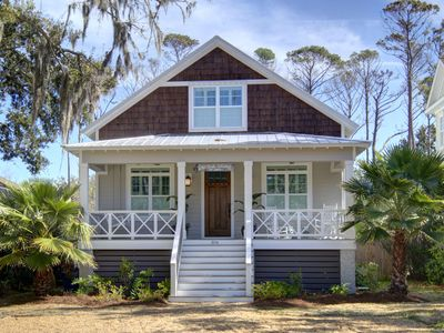 Photo for Sea Girl's Getaway. 1.6 Miles from Beach. Dog Friendly.