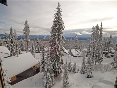 Photo for Spacious 3 bedroom + loft home with glorious view of Monashee Mountains
