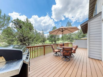 Photo for Spacious Oregon home w/private deck & gas grill - shared resort amenities!