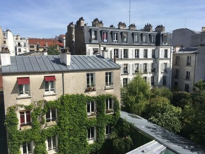 Cozy nest on the roofs of Belleville