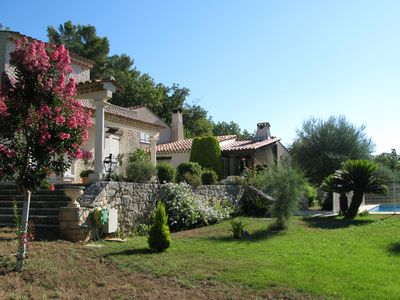 Photo for Spacious villa with swimming pool in the Var hinterland