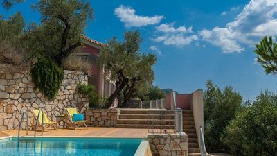 Photo for Villa with pool in Akrotiri