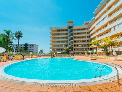 Photo for Spacious Funchal Green Park Pool apartment in Funchal with WiFi, shared terrace, shared garden, bal…