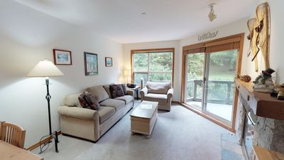 Photo for Comfortable SKI-IN/SKI-OUT 2BDR Condo with Pool & Hot Tub | Superb Location!