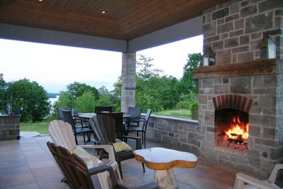 LOYALIST HOUSE Covered patio with outdoor fireplace - firewood included