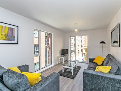 Photo for Halo House - 2 bed apartment that sleeps 4 guests