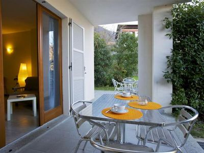 Photo for Tastefully furnished apartment in a small residence in a sunny location
