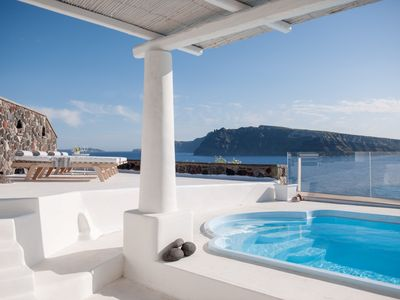 Photo for Villa Spot of Oia, Santorini, 3 Bedrooms, 3 Bathrooms, Jaccuzi, Private Pool, Up to 8 Guests, Impressive Sunset and Volcano View !