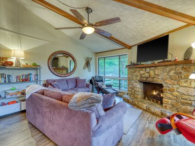 Photo for Beautiful mountainside condo with a fireplace