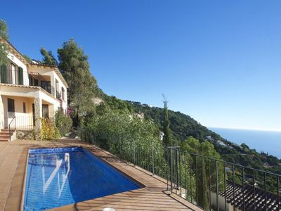 Photo for House with fantastic sea views, situated without a quiet urbanization in Aiguablava, only