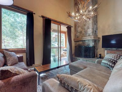 Photo for Stylish townhome with great location near lifts & trail