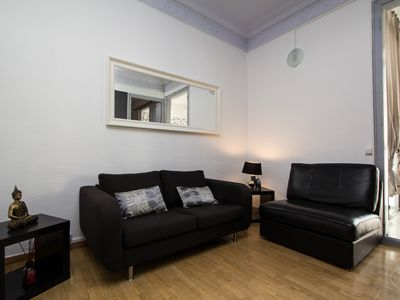 Photo for Stylish three bedroom apartment, for up to six guests, situated close to Plaza Espanya in Barcelona?