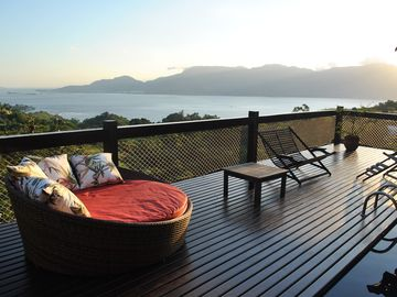 Beautiful house with view of the Ilhabela canal
