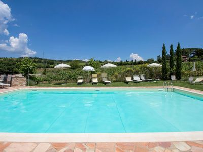 Photo for Lovely apartment in villa for 6 guests with WIFI, pool and TV