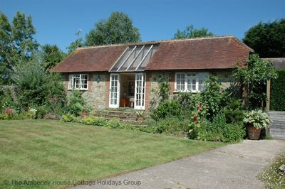 Library Cottage - Nutbourne, West Sussex