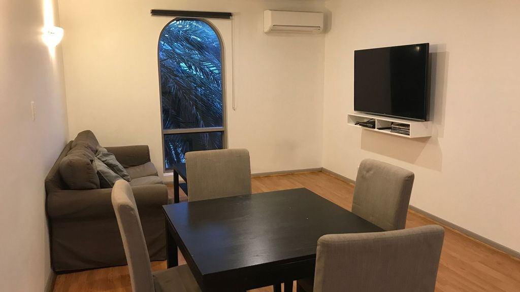 Adelaide Holiday Homes - Three Bedrooms Apartment