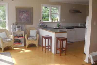 Large well equipt kitchen with a dishwasher
