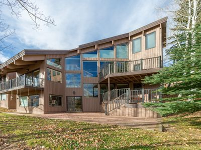 Spacious 4 Bdrm/4 Bath Deer Valley Townhome with private outdoor hot tub.