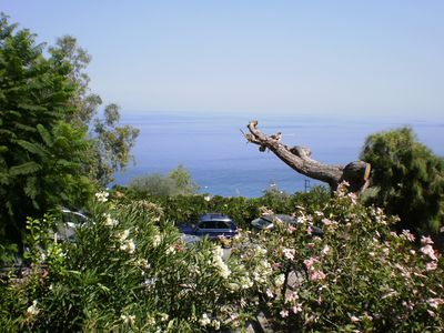 Photo for Two-room apartment with sea view terrace and large garden