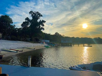 Private clear water lake 39 ft RV 2 bed/2 bath sleeps 10