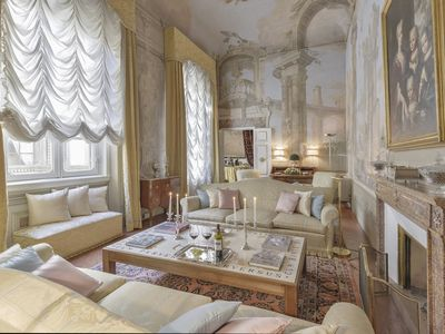 Photo for Maggio Palace - Luxury apartment with frescoes in Florence