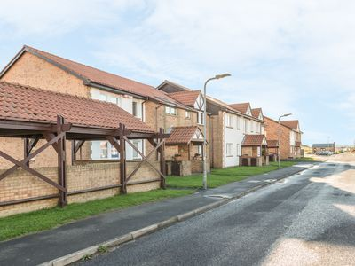 Photo for BAY VIEW, family friendly, with a garden in Beadnell, Ref 1041