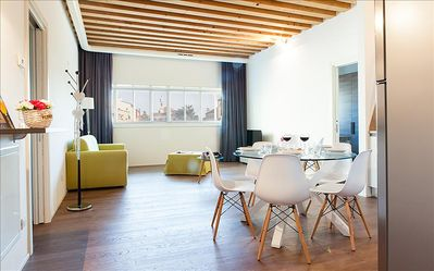Photo for Modern and bright 2bdr apartment in Venice!