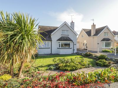 Photo for 11 SEABREEZE, pet friendly, with a garden in Llandudno, Ref 992617
