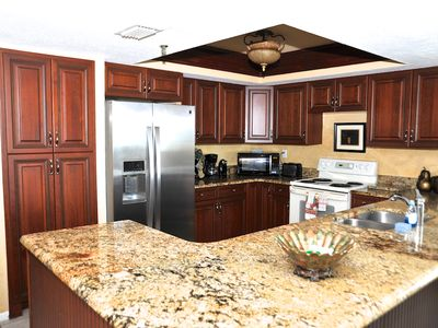 Enjoy cooking with this newly renovated gorgeous kitchen