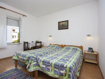 Photo for 1BR Apartment Vacation Rental in Brodarica