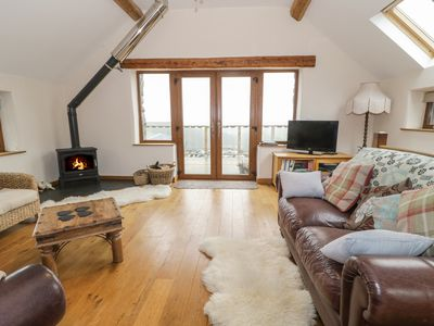 Photo for Y DAFLOD, with open fire in Machynlleth, Ref 965381