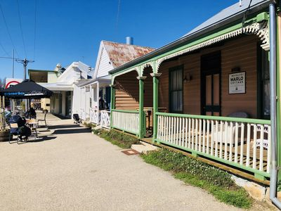 Only metres from all the best shops, cafes and restaurants in central Beechworth
