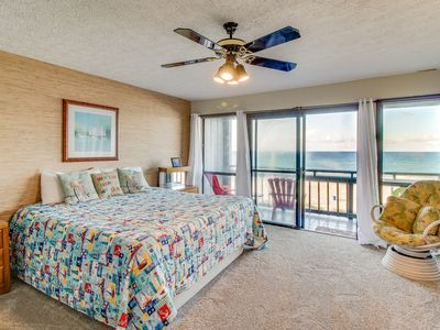 Photo for Oceanfront townhome, w/sweeping Gulf views & prime location - Snowbirds welcome!