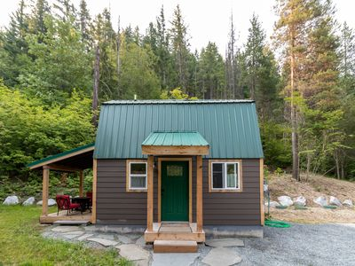 Photo for Secluded and romantic tiny pine lodge